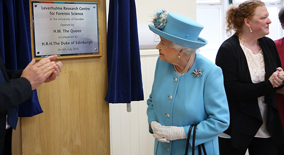 HM The Queen opens Leverhulme Centre for Forensic Science
